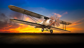 Ta av det forntida flygplanet arkivfoton