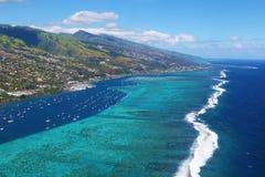 Ta av från den Papeete flygplatsen Arkivfoton