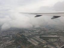 Ta av från den Suvarnabhumi flygplatsen fotografering för bildbyråer