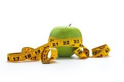 Äta det sunda äpplet Royaltyfria Foton