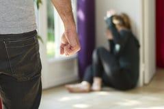 tła domowa ręk głowa odizolowywał gacenie młode przemoc białe kobiety biała kobieta Obraz Royalty Free