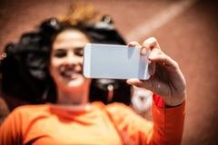 Ta en bild för socialt massmedia efter genomkörare 15 woman young Royaltyfria Bilder
