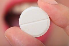 ta för pills Royaltyfri Fotografi