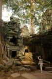 Ta Prohm świątynia Kambodża - Antyczny Angkor - Siem Przeprowadza żniwa - Zdjęcia Stock