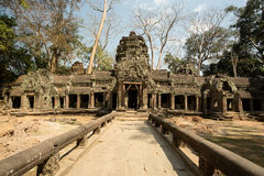 Ta Prohm corridor and balustrade. West entrance Stock Photos