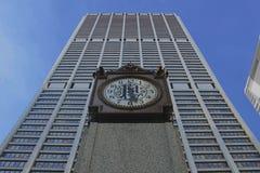Ta tid på en skyskrapa i Chicago Royaltyfri Fotografi