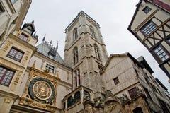 Ta tid på i ruen du Gros Horloge, Rouen, Haute-Normandie, Frankrike Fotografering för Bildbyråer