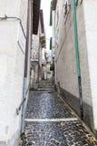 Ta till mitten av byn, Villetta Barrea, Abruzzo, Ita Arkivfoton