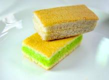 tła tort odizolowywający gąbki biel Obraz Royalty Free