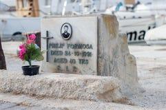 Ta-` Xbiex, Malta - Maj 7, 2017: Grav av Philip Formosa nära den Xbiex för ix-XatttTa-` gatan Arkivbild