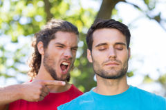 Taaie trainer die bij zijn cliënt schreeuwen Royalty-vrije Stock Foto's