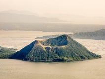 Taal vulkan på Filippinerna Royaltyfri Foto