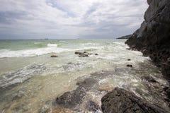 Taam Pang Beach, der einzige wirkliche Strand auf Koh Sichang, Chonburi, Thailand Stockbilder