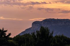 TAatete de Chien Dog在日落的` s头,在摩纳哥的La Turbie和公国附近 图库摄影