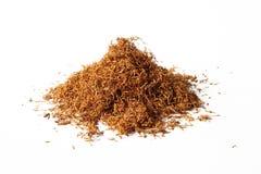Tabaco para los cigarrillos aislados en blanco Imagen de archivo