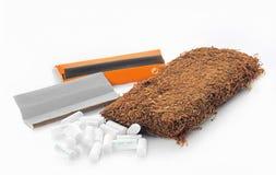 Tabak- und Rollenpapier und -filter der Zigarette Lizenzfreie Stockfotografie