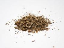 Tabaksstapel op een witte oppervlakte en een achtergrond wordt geïsoleerd die royalty-vrije stock afbeeldingen