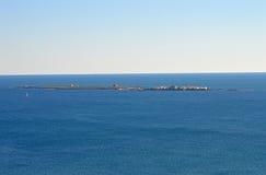 Tabarca-Insel angesehen von Santa Pola Lighthouse Lizenzfreie Stockbilder