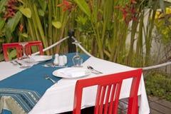 Tabel y sillas Imagen de archivo