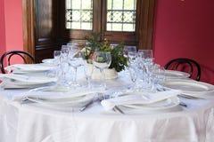 A tabela ajustou-se para dois esposos Fotografia de Stock Royalty Free