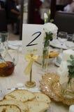 A tabela ajustou-se para um partido ou um casamento do evento Imagem de Stock Royalty Free
