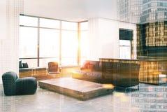 Tabela branca e sofá do quadrado do canto da sala de visitas tonificados Foto de Stock Royalty Free