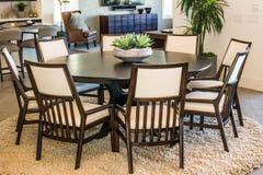 Tabela & cadeiras modernas da sala de jantar Fotografia de Stock Royalty Free