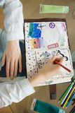 A tabela com elementos para scrapbooking handcraft Foto de Stock Royalty Free