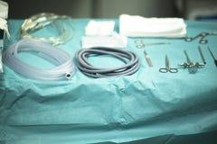 Tabela da instrumentação da cirurgia imagens de stock royalty free