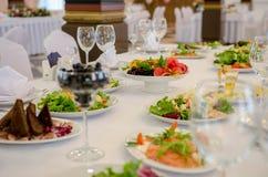 Tabela de banquete do serviço Fotos de Stock Royalty Free