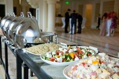 Tabela de bufete com saladas Imagem de Stock Royalty Free
