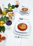 Tabela de jantar de madeira branca Imagens de Stock Royalty Free