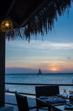 Tabela de jantar do por do sol Imagens de Stock