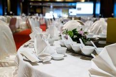 Tabela de jantar interna Fotografia de Stock Royalty Free