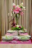 Tabela de jantar Luxuriously coberta Imagem de Stock Royalty Free