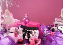 Tabela de limpeza da vaidade da composição da forma do estilo de Barbie Imagem de Stock Royalty Free