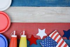 Tabela de piquenique patriótica do feriado Fotografia de Stock