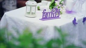 Tabela decorada do casamento no jardim do verão filme