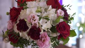 Tabela decorada flores vídeos de arquivo