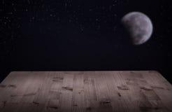 Tabela do fundo das placas da noite com a lua e as estrelas Imagem de Stock Royalty Free