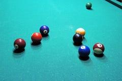 Tabela e bolas de bilhar Fotografia de Stock
