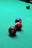 Tabela e bolas de bilhar Fotografia de Stock Royalty Free