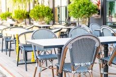 Tabela e cadeira vazias Fotografia de Stock Royalty Free