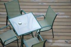 Tabela e cadeiras Fotografia de Stock Royalty Free