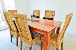 Tabela e cadeiras da sala de jantar Fotografia de Stock Royalty Free