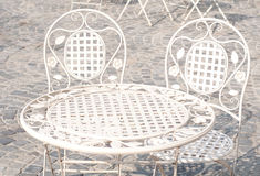 Tabela e cadeiras decorativas Foto de Stock