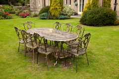Tabela e cadeiras do ferro de molde Imagens de Stock Royalty Free