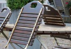 Tabela e cadeiras em um restaurante fechado Foto de Stock Royalty Free