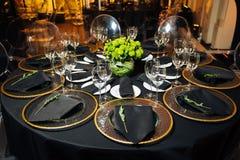 Tabela elegante do feriado, restauração, aproximação criativa ao evento Foto de Stock Royalty Free