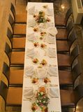 Tabela elegante e placesetting Fotografia de Stock Royalty Free